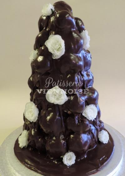 Croquembouche: Image 4 (Small Chocolate Croquembouche)