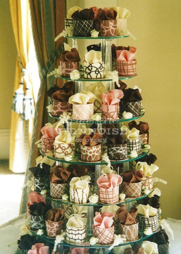 Individual Cakes: Image 1 (Design T2)