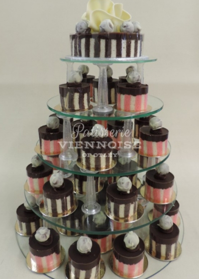 Individual Cakes: Image 6 (Mozart Gateaux)
