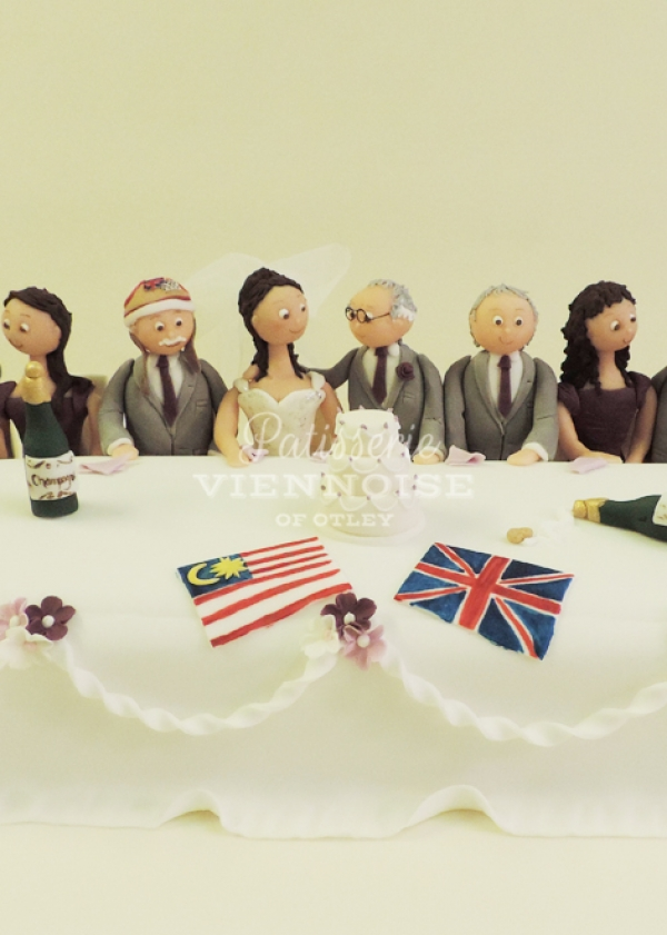 Something Different Cakes: Image 6 (Top Table)